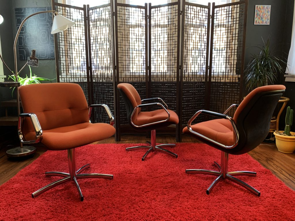 Vintage style office chairs like these are prime material for furniture flippers.